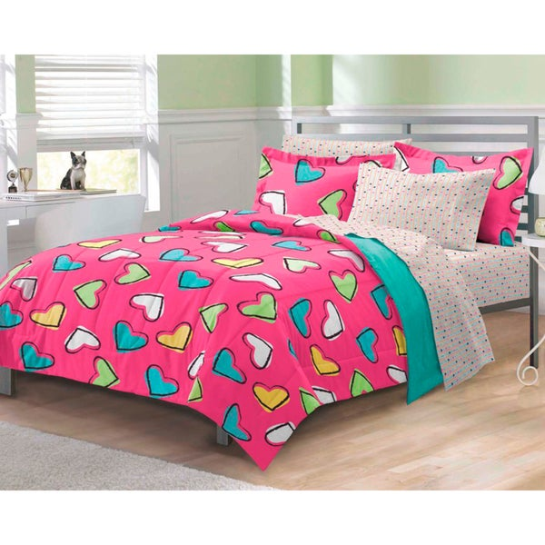 Hearts 7-piece Bed in a Bag with Sheet Set
