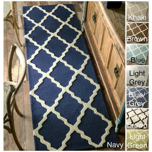 nuLOOM Hand-hooked Alexa Moroccan Trellis Wool Runner (2'6 x 10')