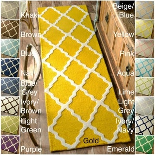 nuLOOM Hand-hooked Alexa Moroccan Trellis Wool Runner (2'6 x 8')