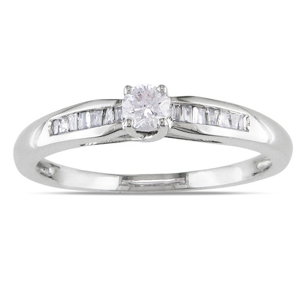 Haylee Jewels Sterling Silver 1/4ct TDW Round-cut Diamond Promise Ring (H-I, I2-I3)