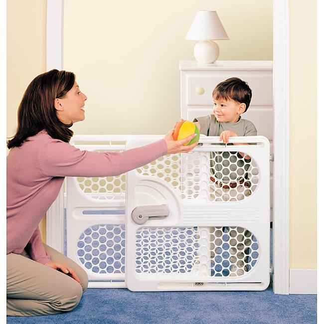 Safety 1st Easy Fit Adjustable Security Gate