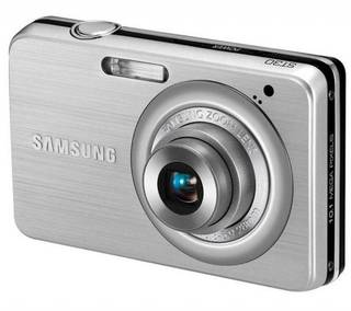 Samsung ST30 10MP Silver Digital Camera