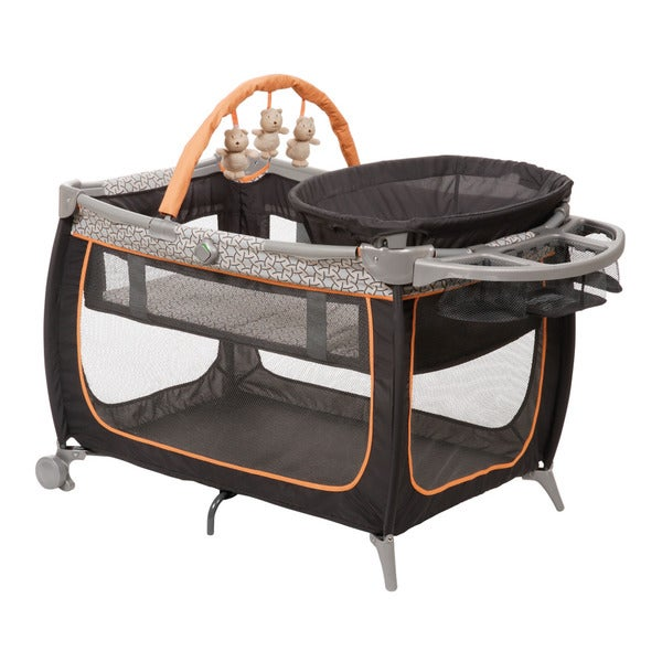 Safety 1st Prelude Playard in Links