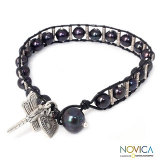 Silver 'Universal Love' Leather Pearl Bracelet ( 6.5-7 mm) (Thailand)