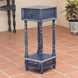 Handcrafted Pinewood 'Tepatitlan Blue' Accent Table (Mexico)