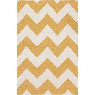 Handwoven SandyChevron Golden Yellow Wool Rug (8' x 11')