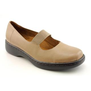 Auditions Women's 'Rhythm' Leather Casual Shoes - Narrow