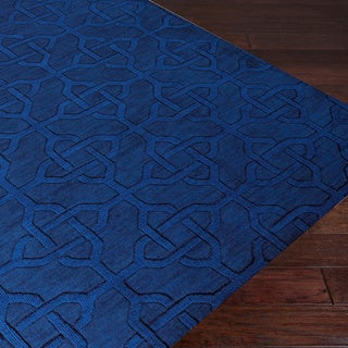 Hand-crafted Viburnum Solid Blue Geometric Wool Rug (8' x 11')