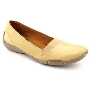 Auditions Women's 'Hanover' Nubuck Casual Shoes - Narrow (Size 6.5)