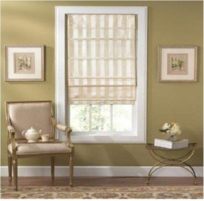 Cordless Off-white Striped Fabric Roman Shade (27in x 72in)