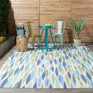Waverly Sun &amp; Shade Seaglass Rug (7&#39;9 x 10&#39;10)