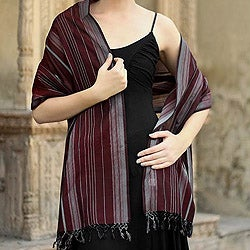 Handcrafted Cotton 'Indian Wine' Shawl (India)