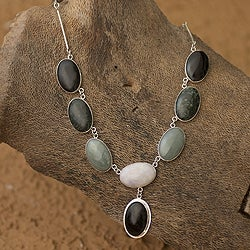 Handcrafted Sterling Silver 'Maya Empress' Jade Necklace (Guatemala)