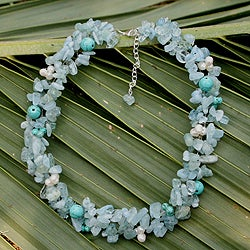 Handcrafted Pearl and Aquamarine 'Sensation' Choker (5mm) (Thailand)