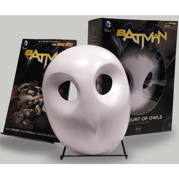 Batman: The Court of Owls Book & Mask Set (Paperback)