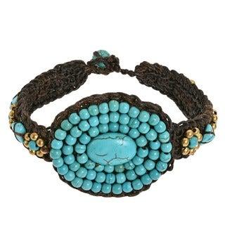 Oval Tribal Medallion Turquoise Stones Toggle Bracelet (Thailand)