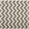 Safavieh Contemporary Indoor/ Outdoor Courtyard Gray/ Beige Rug (7'10 Square)