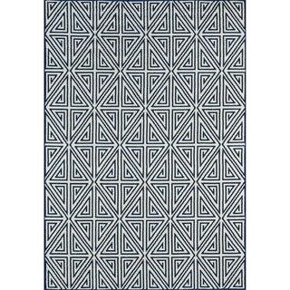 Indoor/ Outdoor Diamonds Rug (8'6 x 13'0)