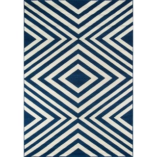 Indoor/ Outdoor Navy Zig-Zag Rug (7'10 x 10'10)