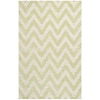 Safavieh Handmade Moroccan Cambridge Chevron Light Green Wool Rug (9' x 12')