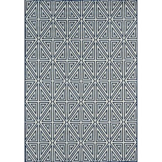 Indoor/Outdoor Navy Diamonds Rug (7'10 x 10'10)