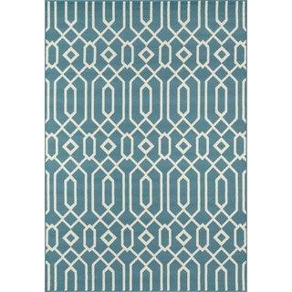 Indoor/Outdoor Blue Links Rug (6'7 x 9'6)