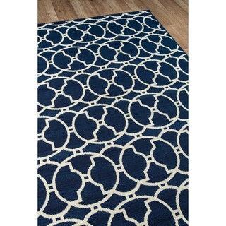 Indoor/Outdoor Navy Morrocan Tile Rug (6'7 x 9'6)