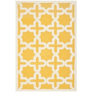 Safavieh Handmade Moroccan Cambridge Gold/ Ivory Wool Rug (4' x 6')