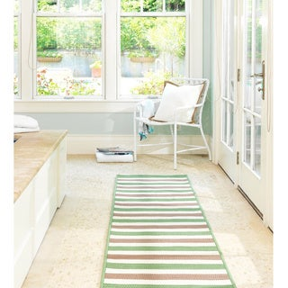 Striped Out Indoor/ Outdoor Area Rug (5' x 7')