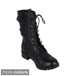 It is extremely safe for the user women motorcycle boots to match their female bike that he utilized. Ladies who normally ride a motorbike cruiser types