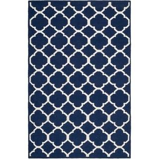 Safavieh Hand-woven Moroccan Reversible Dhurrie Navy/ Ivory Wool/ Viscose Rug (8' x 10')
