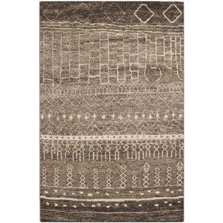 Safavieh Tunisia Brown Rug (4' x 6')