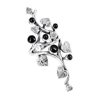 Beautiful Vine Leaf Round Black Onyx .925 Silver Ring (Thailand)