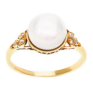 Pre-owned 18k Yellow Gold Natural FW Pearl and 1/10ct TDW Diamond Estate Ring (H-I, SI1-SI2)