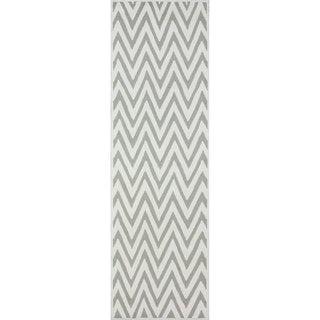 nuLOOM Handmade Cotton/ Wool Modern Chevron Grey Runner Rug (2'6 x 8')