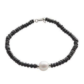 Pearls For You Sterling Silver White Freshwater Pearl and Faceted Black Onyx Bracelet (7.5-8 mm)