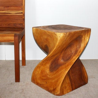 Hand-carved Big Twist Oak Oil-finish End Table (Thailand)