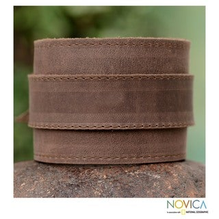 Men's Handcrafted Leather 'Sporty Espresso Brown' Bracelet (Peru)