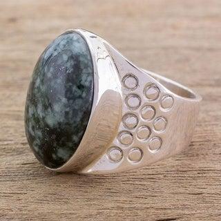 Sterling Silver Men's 'Verdant Night' Jade Ring (Guatemala)