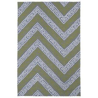 Indoor/ Outdoor Luau Grey Chevron Rug (8'6 x 11'6)