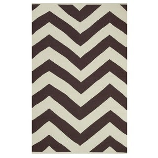 Indo Hand-woven Lexington Coffee Brown/ Beige Contemporary Chevron Area Rug (6' x 9')