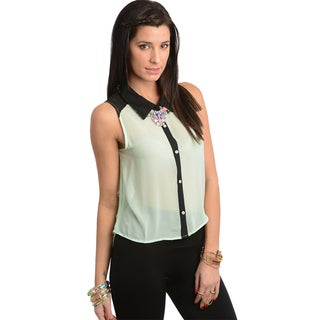 Shop The Trends Women's Pistachio/ Black Sleeveless Buttoned Top