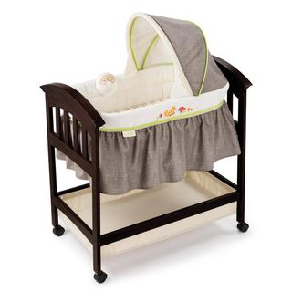 Summer Infant Classic Comfort Wood Bassinet in Fox and Friends