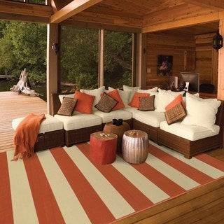 Indoor/ Outdoor Stripe Rug (6'7 x 9'6)