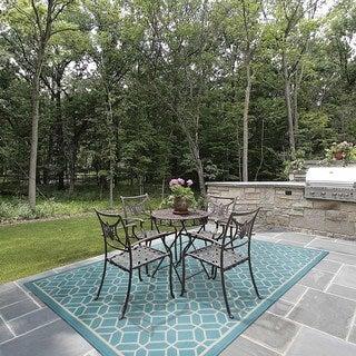 Indoor/ Outdoor Geometric Tile Rug (8'6 x 13')