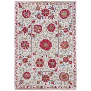 Hand-woven Indo Suzani Ivory/ Red Wool Rug (4' x 6')