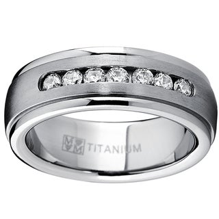 Oliveti Men's Dome Titanium Cubic Zirconia Comfort Fit Wedding Band (7 mm)