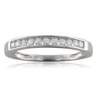 18k White Gold 1/4ct TDW Round-cut Diamond Channel-set Wedding Band (F-G, VS1)