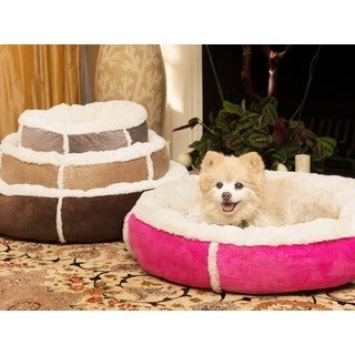 Best Friends by Sheri Round Bumper Pet Bed in Winner