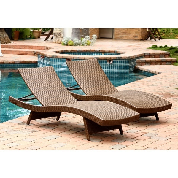 Wicker chaise lounge chairs set brown rattan pe outdoor for Brown wicker chaise lounge